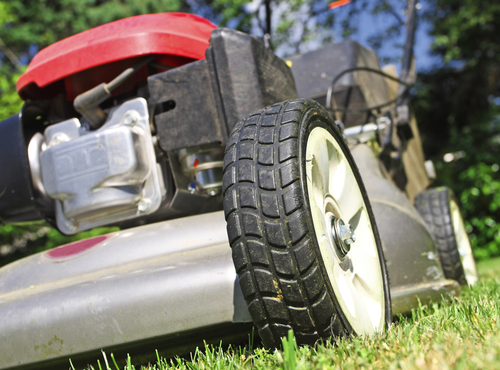 Mowing your Lawn   All Green Pest Control and Lawn Care